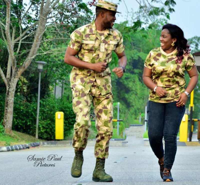Couple-in-military-uniform-for-pre-wedding-photos-2