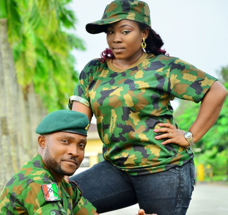 Couple-in-military-uniform-for-pre-wedding-photos-4