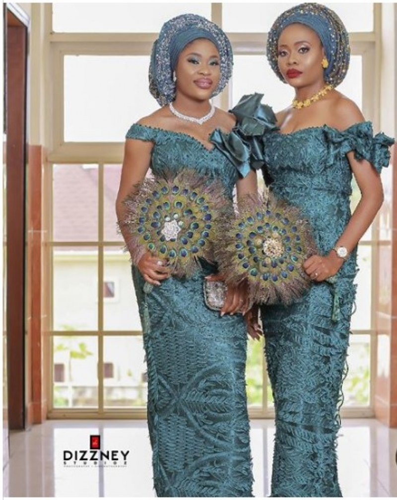 Twin-sisters-get-married-same-day-2