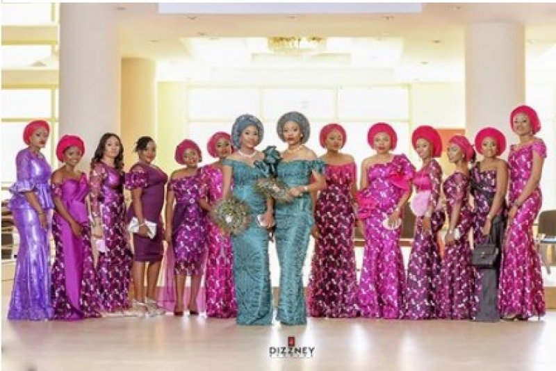 Twin-sisters-get-married-same-day-4