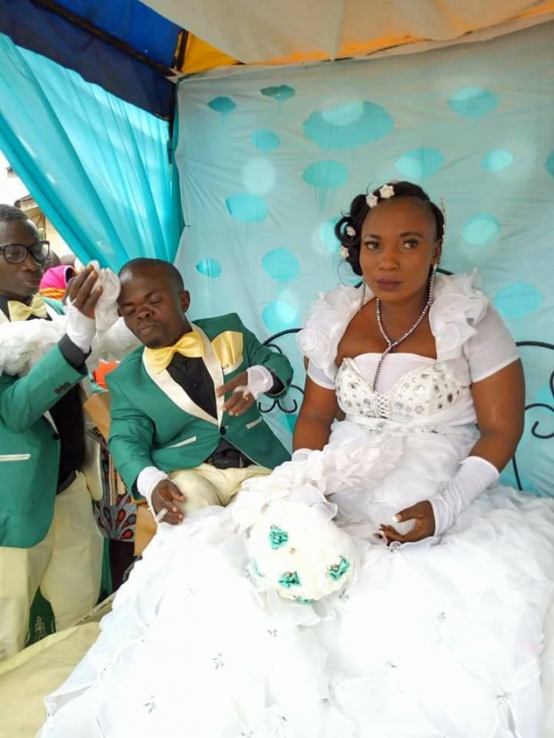 Wedding-photos-between-dwarf-and-bride-2