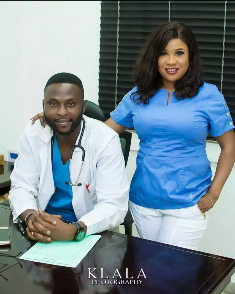 Doctor-michael-and-nurse-busola-pre-wedding-photos-2