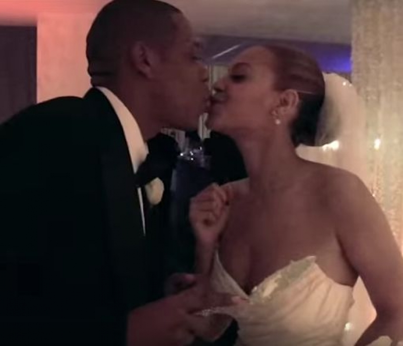 Jay-z and beyonce celebrate tenth wedding anniversary-4