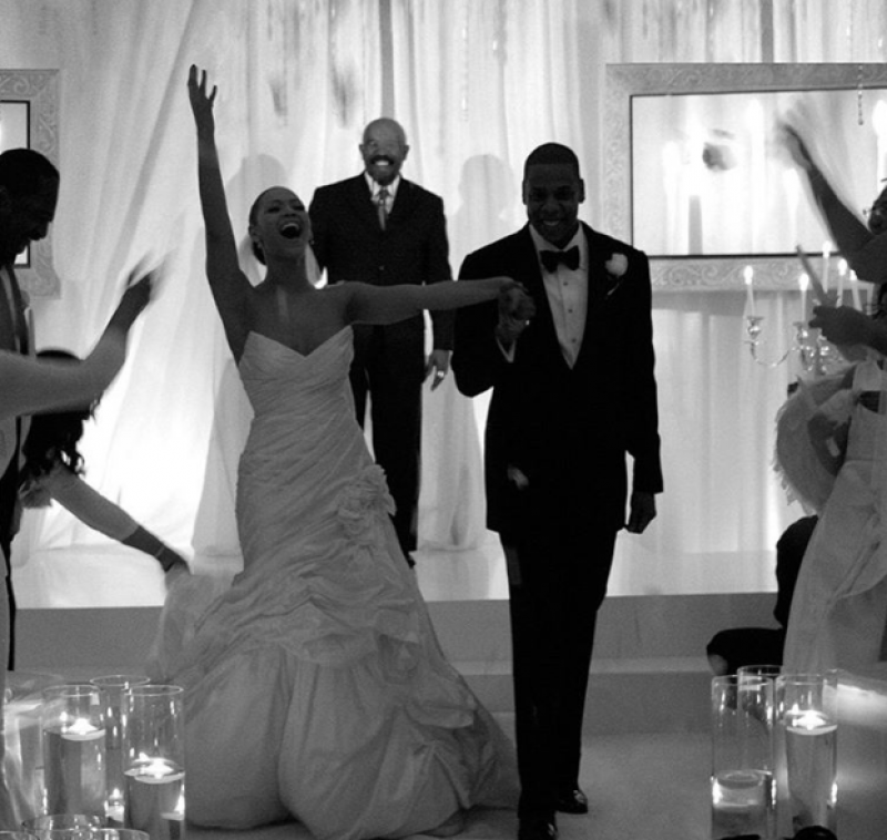 Jay-z and beyonce celebrate tenth wedding anniversary