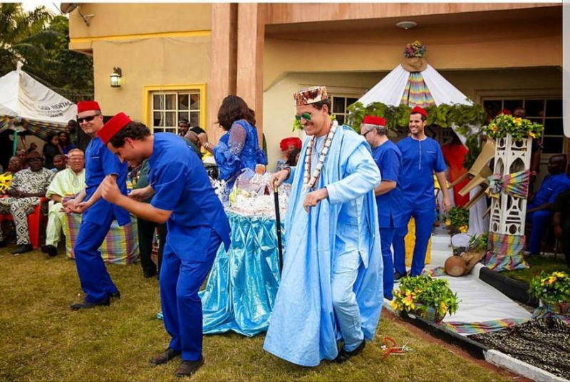 White man in traditional attire for his traditional wedding with igbo bride-2