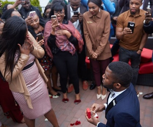 Man Takes Girlfriend To The Location Of Their First Date And Proposes To Her