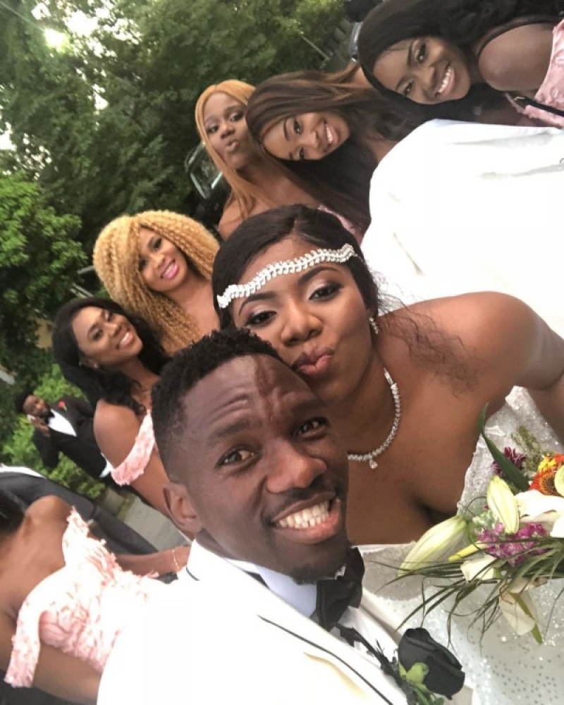 Super eagles defender kenneth omeruo weds his heartrob chioma