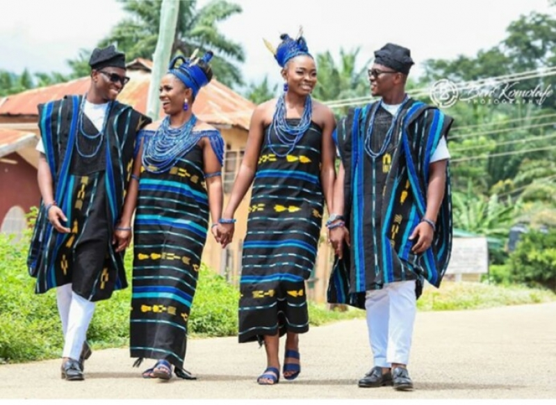 Pre-wedding photos of twin brothers with their bestie brides-3