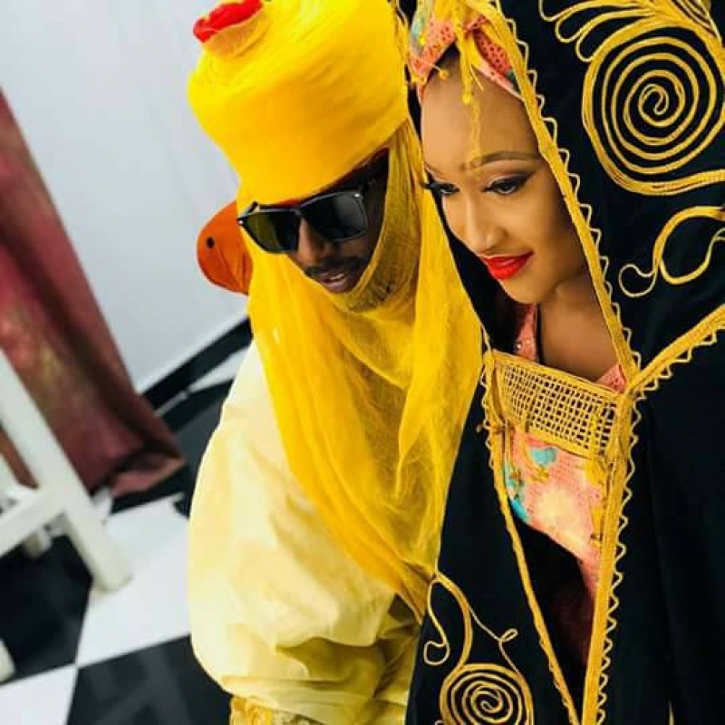 Ramadan booth and his fiancee shares pre-wedding pictures-2