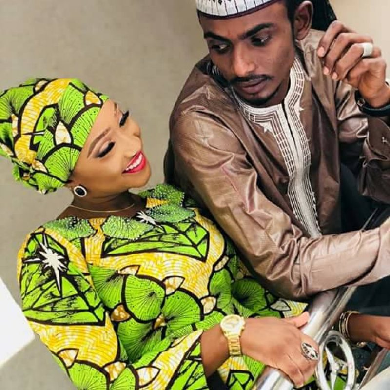 Ramadan booth and his fiancee shares pre-wedding pictures-3