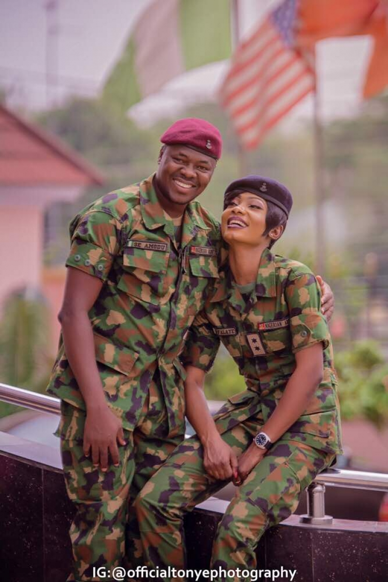 Militaryaffair pre-wedding photos of military couple
