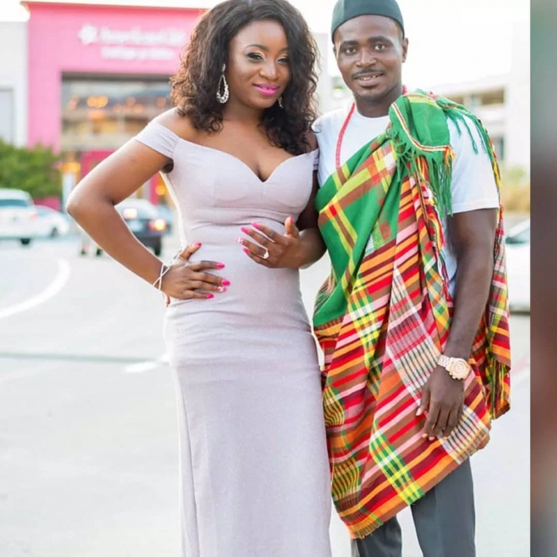 Man proposes to girlfriend in grand style-4