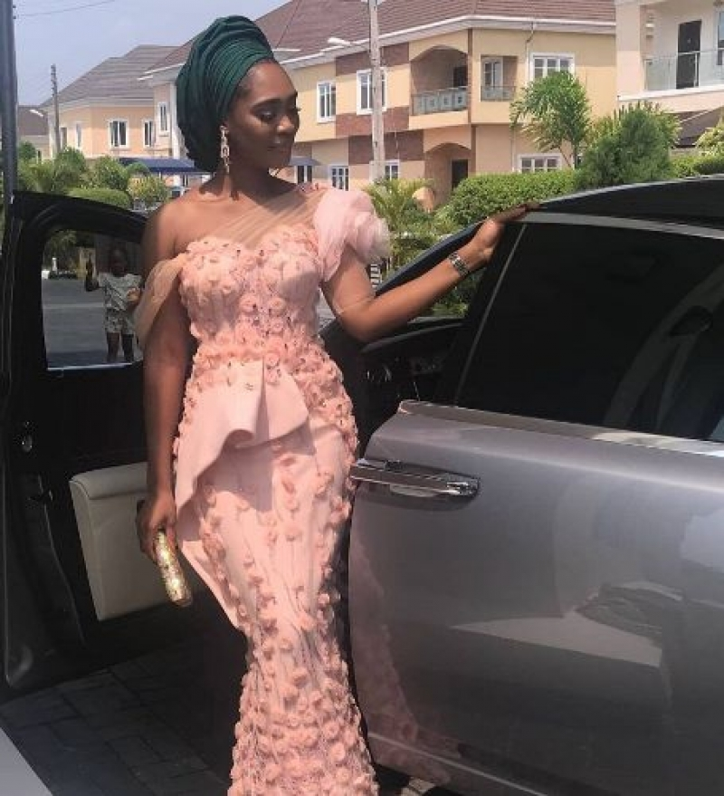 Bella-naija-aso-ebi-styles-8-ways-to-look-fashionable-4