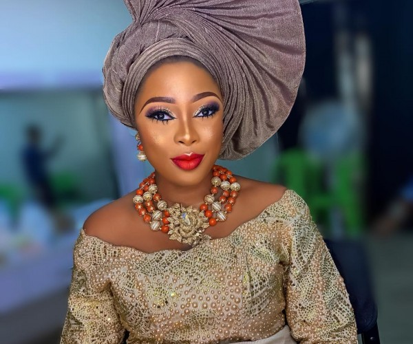 Different Ways To Style Your Aso Ebi Gele As A Wedding Guest