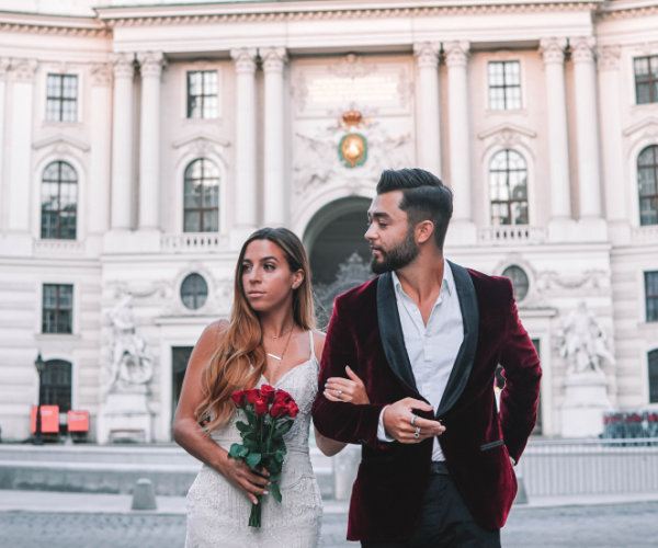 Newly Married Couple Travel To 33 Countries For Their Honeymoon