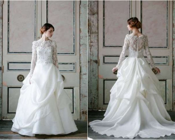 Jaw-dropping long sleeve wedding dresses for brides